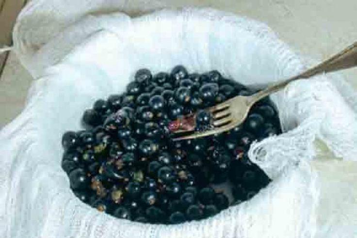 Маски из ягод со смородиной