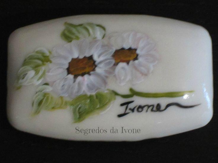 SA51-  Pintura em sabonete - motivo floral