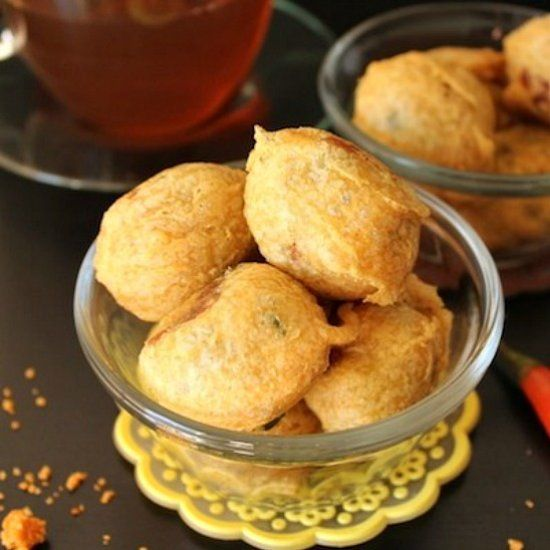 Vada | Indian Potato Fritter Batata Vada or Indian Potato Fritters ...