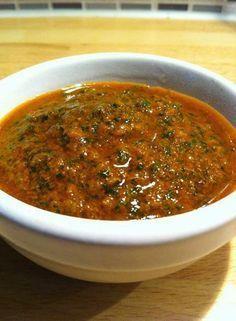 La marinade marocaine ou chermoula est une sauce préparée au pays du Maghreb, elle peut être servie avec du poulet, du poisson, ou du bœuf pour plusieurs plats.