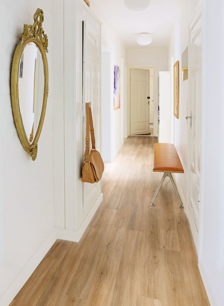 evergreen oak hallway just so elegant camaro loc. Black Bedroom Furniture Sets. Home Design Ideas