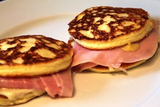 Hytteostepandekager eller kesoplatter, from dyppelse.blogspot just make pancakes of anykind ham mustard cheese if you want