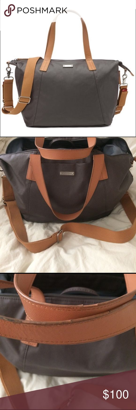 Storksak diaper bag Storksak diaper bag.  Includes mini organizer bag. Thermo insulates side pocket to keep liquids cool/warm.  Used for about 8 months.  Good condition.  Handles show some wear.  See photos for details. Storksak Bags Baby Bags