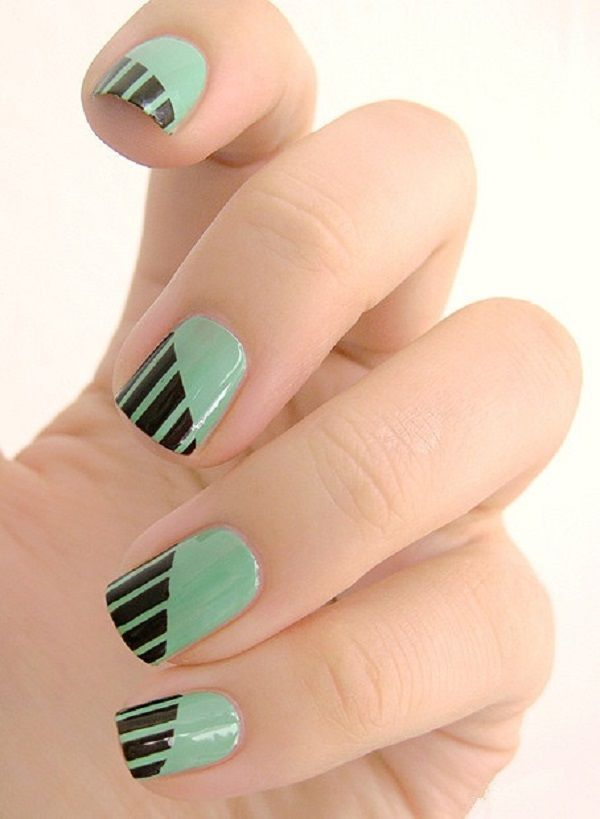 Clear shapes and lines are modern in architecture but and in nail art. Use simple clear lines to decorate your nails, it can't be bad.