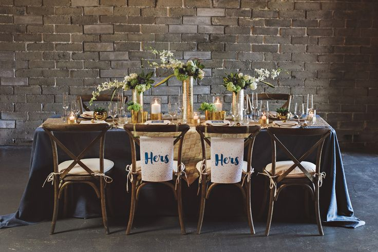 Hers and Hers chair signage | Modern LGBT Urban Wedding Styled Shoot | Photography by Suzanne Rothmeyer