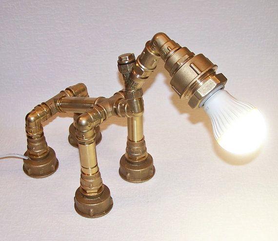 lampe industrielle lampe tube en laiton par. Black Bedroom Furniture Sets. Home Design Ideas
