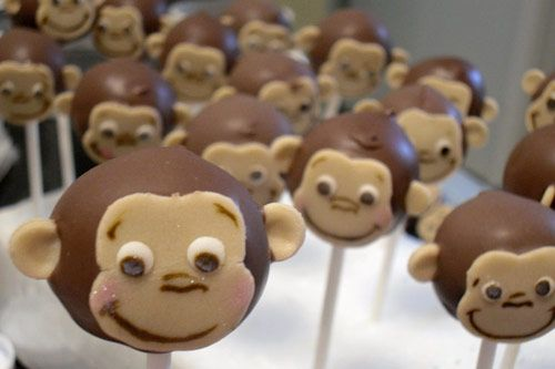 Monkey Cake Pops - Kidlet is in a big monkey moment. Don't know if I would make these, but they are CUTE!