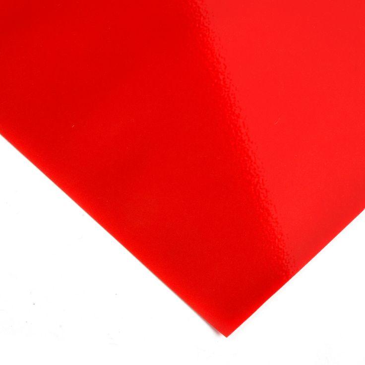 PVC brillo Rojo - Esta tela plástica de extraordinario brillo viene en 13 colores diferentes. Muy utilizada para la decoración de interiores, moda, tapicería y trabajos manuales. #MWMaterialsWorld #red #rojo #tela  #manualidades #confeccion #decoracion