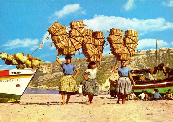 Did you already know Nazaré beach?  #beach #bigwaves #costaoeste #férias #locationvacances #praiadelrey