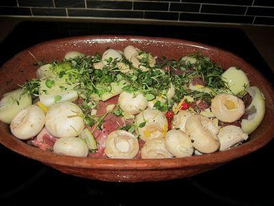 Supermammans  matblogg  Make Ahead Food: Sagolik lammstek i lergryta med vitlök och timjan-...