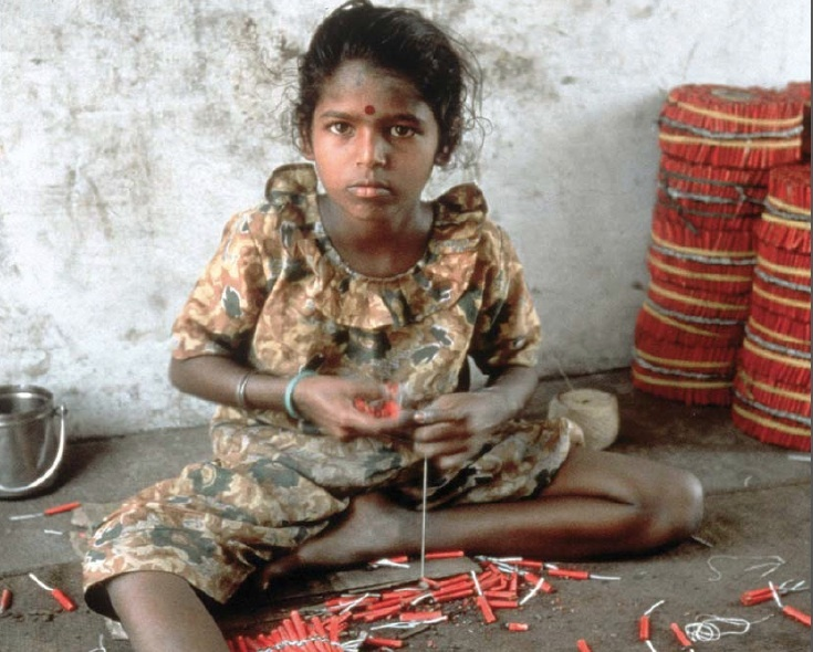 child labor and its effects on Child labor has affected the lives of several underprivileged children around the world 3 effects of child labor child labor affects the physical as well as the mental state of the children further these children lose their confidence and get used to the different forms of abuse by the society.