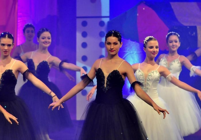 Sasha dançando balé
