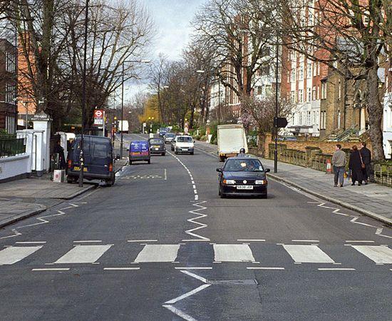 ABBEY ROAD - rua de Londres... Beatles...