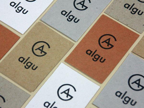Algu uncoated business card designed by Francesc Moret.