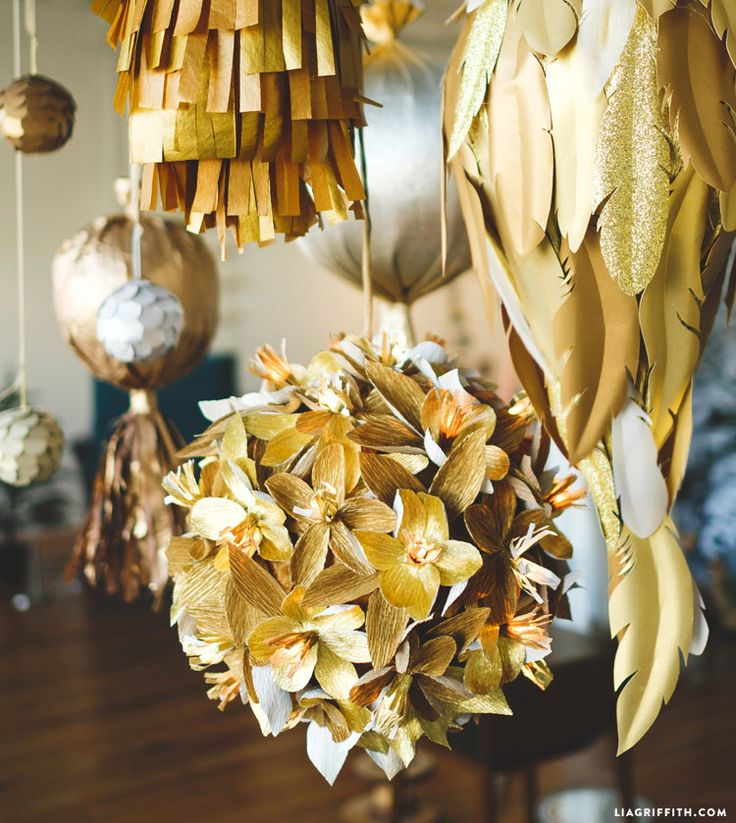 New Year's Eve decor at www.LiaGriffith.com #MakeItFunCrafts