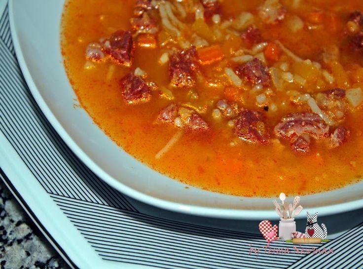 Sopa de carne de charque (carne seca) com legumes