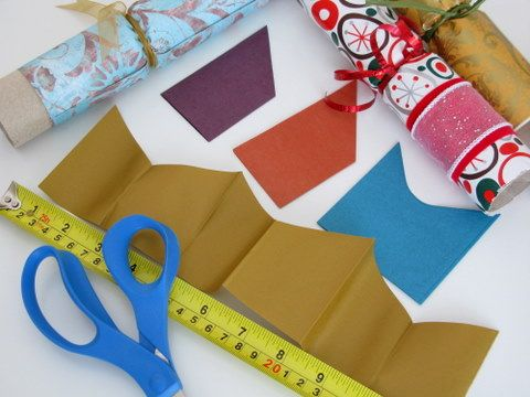 how to make crackers including instructions for homemade paper hats