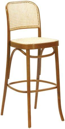 BST8110 Paged som har rotting i sits samt rygg. Sen finns modellen även som stol och karmstol. Det går att få barstolen i flera olika träfärger. #barstolar #dialoginterior