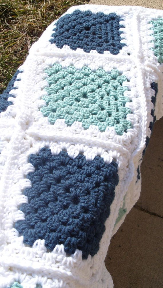 Crochet Afghan Blue Green and White Granny от klickin2kneedles