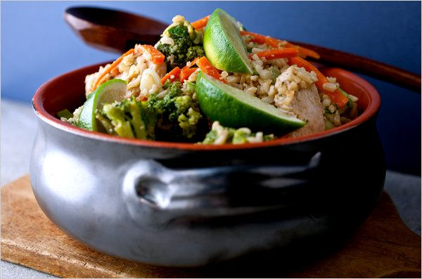 Fried brown rice with chicken and vegetables