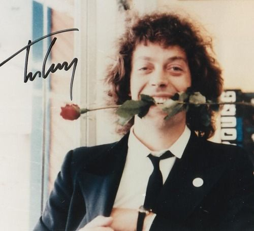 A young Tim Curry does things to me :)