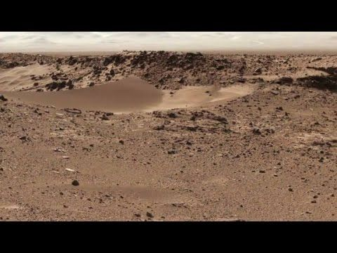 NASA says flowing water found on Mars Astronomer Tom Kerss tells Kristie Lu Stout what the discovery of flowing water on Mars means for human exploration of the Red Planet