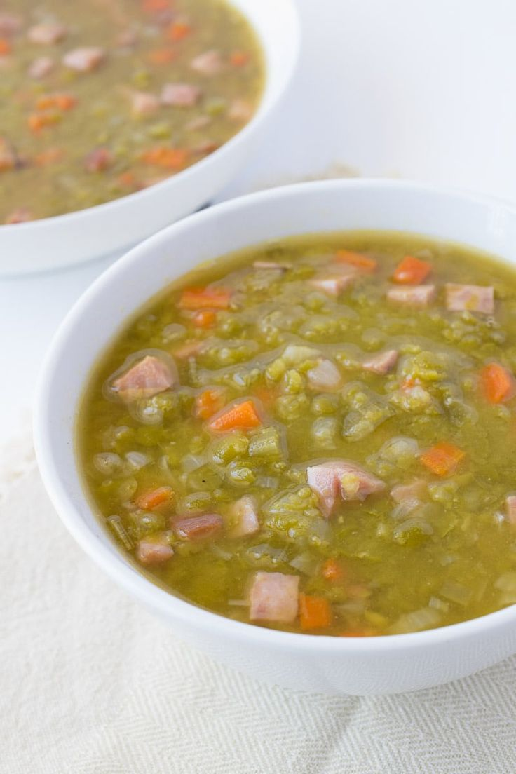 Ham & split pea soup recipe. A great use of leftover ham and is so easy to make with a slow cooked taste.