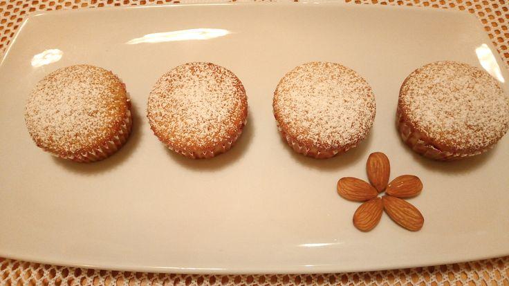 Muffin arancia e mandorle all'olio extravergine Orange, Almond and olive oil muffins