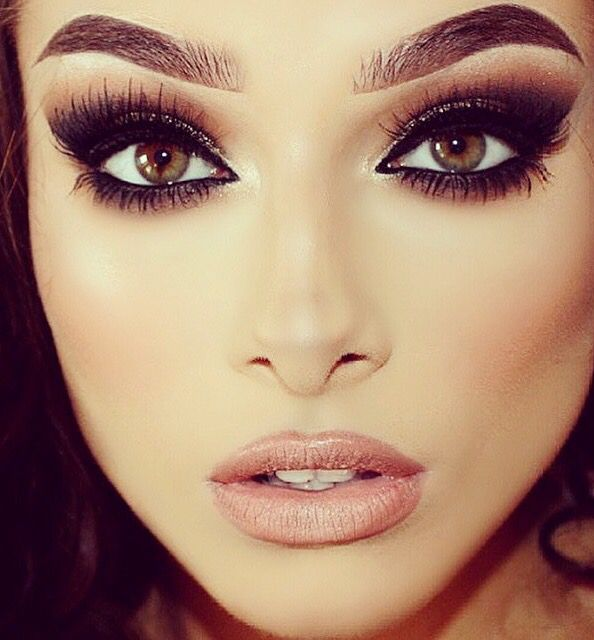 Bold smokey eyes