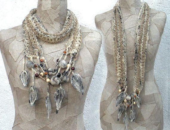 Sciarpa in grigio collana infinity, boho a mano a maglia ciclo, wrap Art a mano a maglia, feltro di lana, abbigliamento bohemien lino, scialle di lana Gypsy, corda