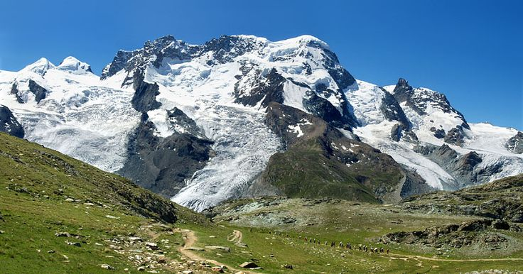 スイス・アルプスのトレイル(山道)