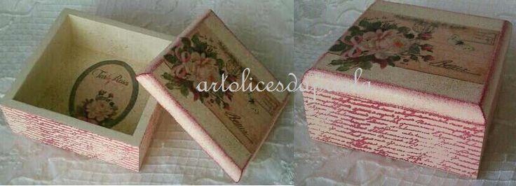 Caixa Tea Roses Aplicação de papel de arroz, carimbo e chapiscado.