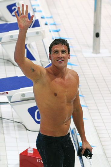 Let's Ogle U.S. Swimmer Ryan Lochte As He Wins His First 2012 Olympic Gold Medal