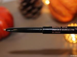 Comment utiliser le Brow Wiz d'Anastasia? (spécial sourcils) • Hellocoton.fr