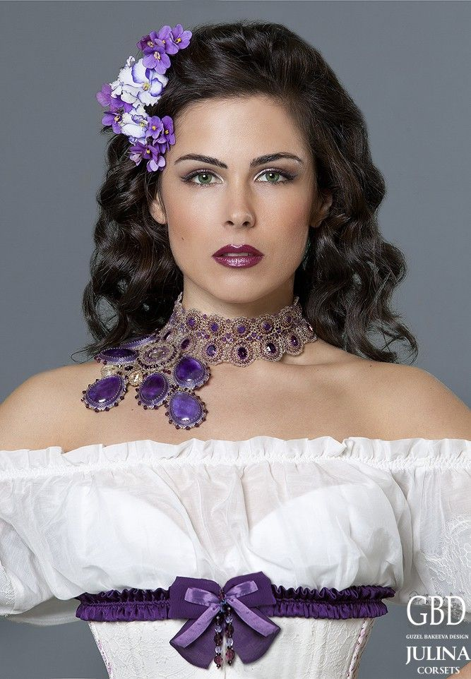Lily  Designs by Russian Jewellery Artist Guzel Bakeeva.  <3  http://guzelbakeeva.ru/category/Necklace/