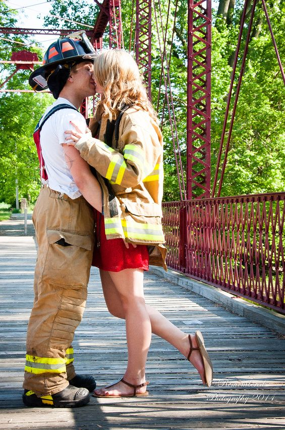Young couple photography session, Fireman, bridge, love