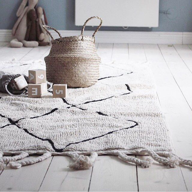 Machine-Washable Rugs #washablerugs #lorenacanals #homecollection #rugs #kidsdecoration Photo by @emsloo