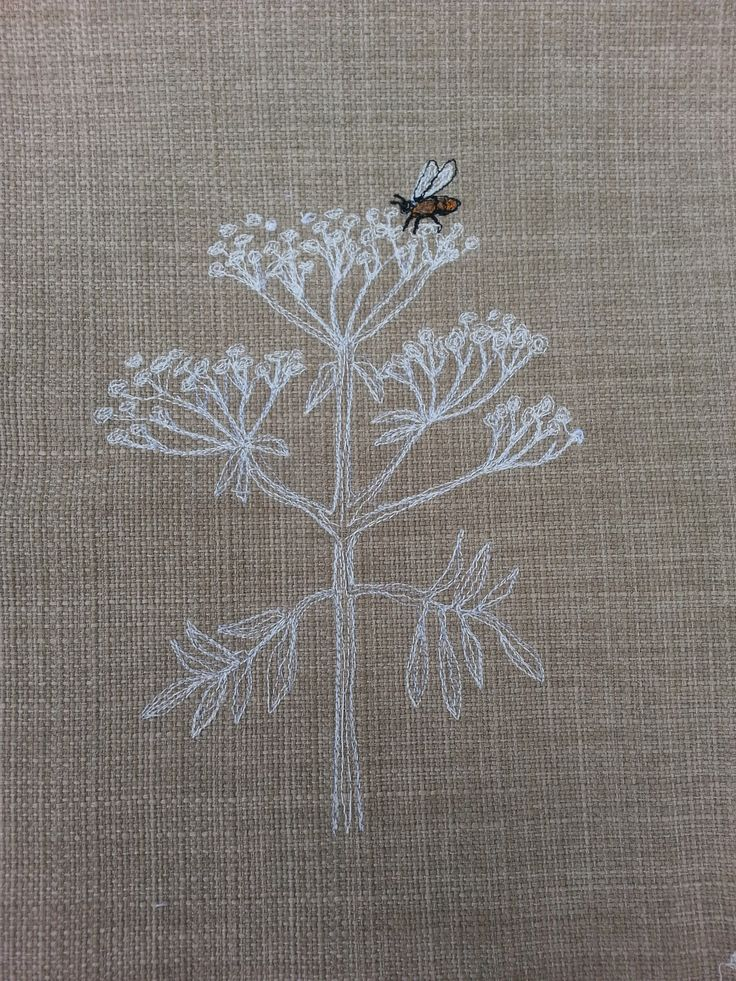 Cow parsley and bee free motion embroidery on linen from The Dog and the Moon.