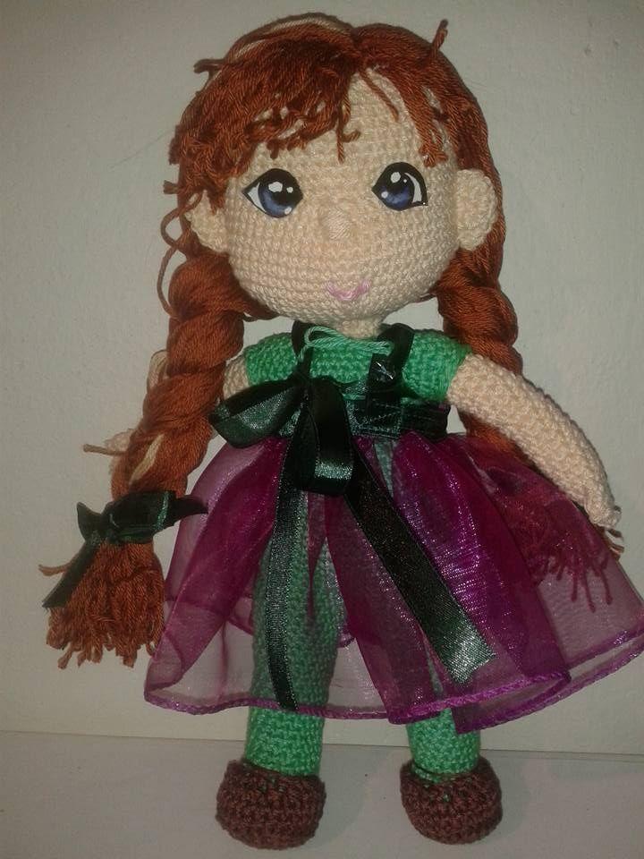 Anna z Ledového království, podle návodu: http://wonderfuldiy.com/wonderful-diy-crochet-elsa-doll-with-free-pattern/