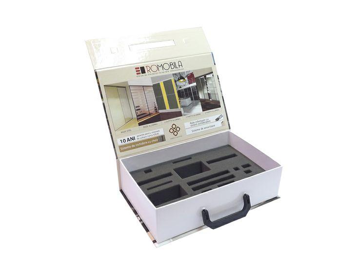 Rigid box for product presentation, rigid box