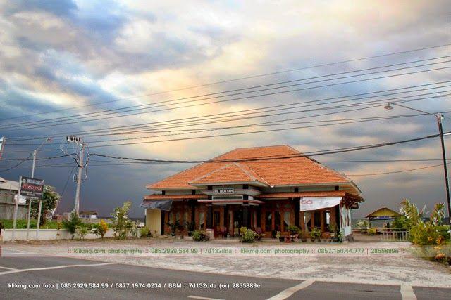 Rumah Makan HIDAYAH / Resto Pantai HIDAYAH d/a. Jl. Raya Banyuglugur, Kalianget ~ Banyuglugur, Situbondo ~ Jawa Timur | Foto oleh : Klikmg Fotografer Situbondo