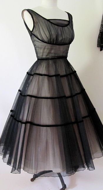 Vintage black dress: Cocktails Dresses, Vintageblack, 1950S, Parties Dresses, Vintage Dresses,  Crinolin, Tulle Dresses, Vintage Style, Vintage Black Dresses