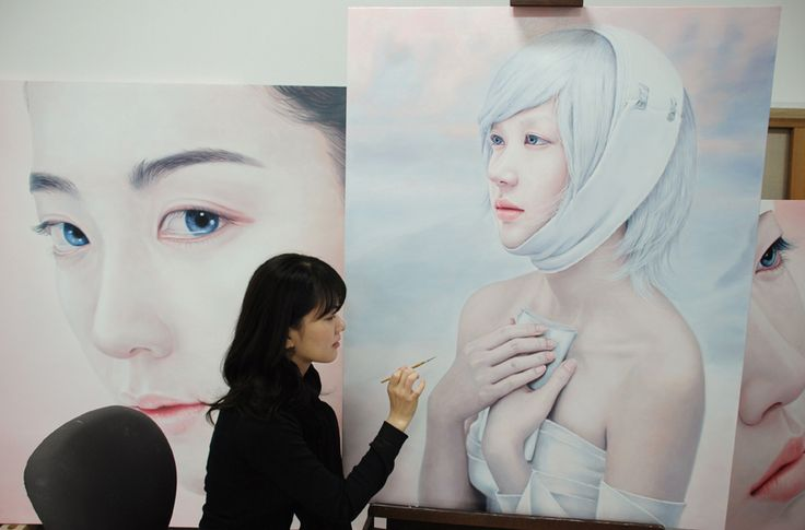 Figurative painter Kwon Kyung Yup with her beautiful oil paintings.