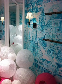 More hand-painted toile, this time in blue, in Ardmore Pa., for the new Lilly shop...I want this in a bedroom...it would be awesome!