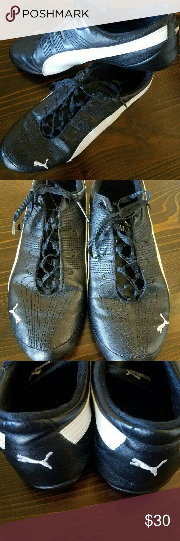 Ladies Puma Leather Shoes EUC Ladies leather black and white Puma shoes. So comfortable! Puma Shoes Athletic Shoes