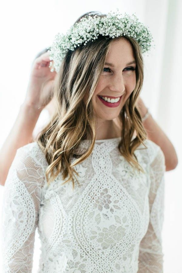 Baby's breath floral crown | Image by Kristina Malmqvist