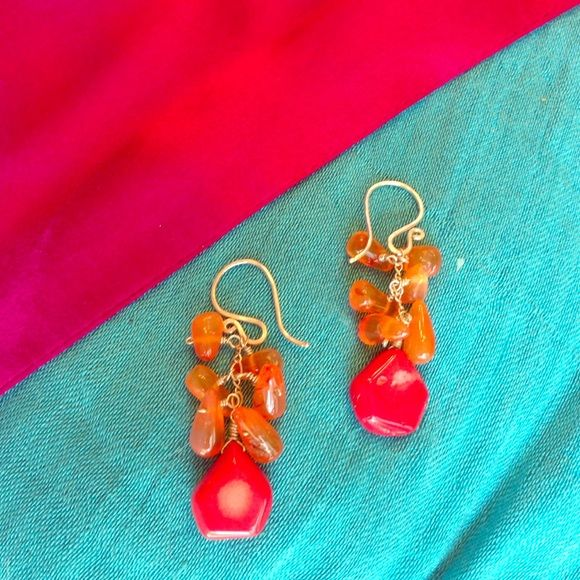 "Shades Of Orange Stone Drop Earrings 1.5"" long in lovely shades of tangerine and tomato. Silvertone hardware. Jewelry Earrings"