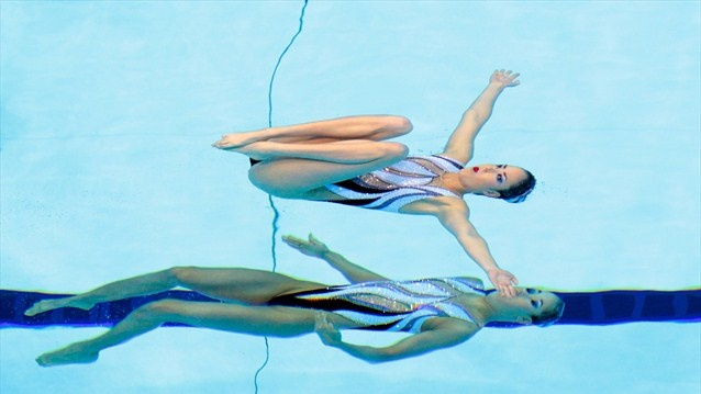 what an amazing image of the Synchronised Swimming. Japanese duets.