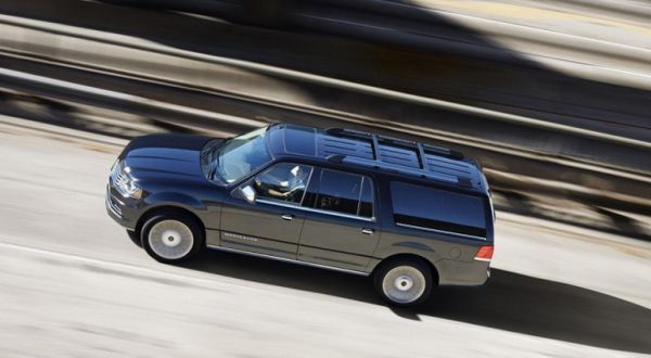 2017 Lincoln Navigator - General Motors - Car Reviews