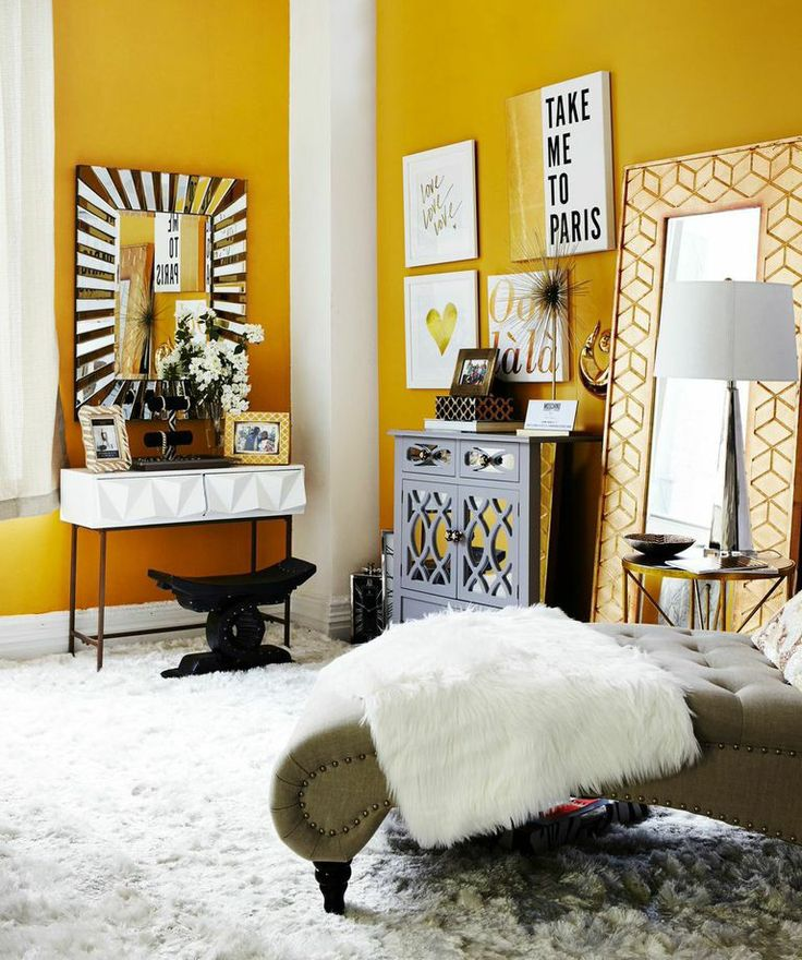 """While Claire's day-to-day wardrobe is full of bright colors, she's drawn to black, white and gold accents in her home. """"The hues are classic, so can go with anything,"""" she said. """"The gold adds a glamorous touch."""""""